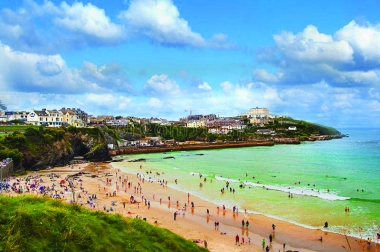 busy-beach-newquay